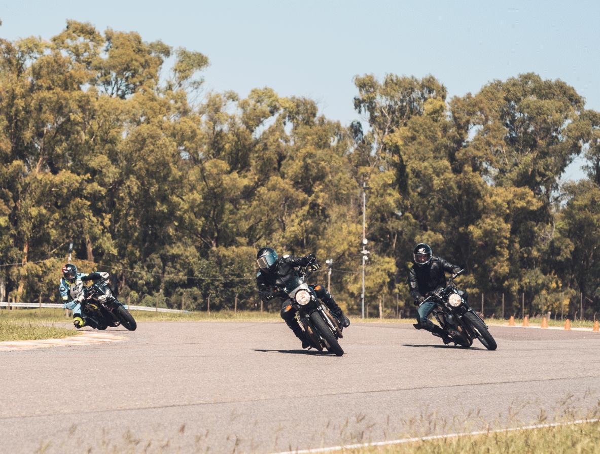 Aprender con la moto te abre un universo que no tenías idea que existía